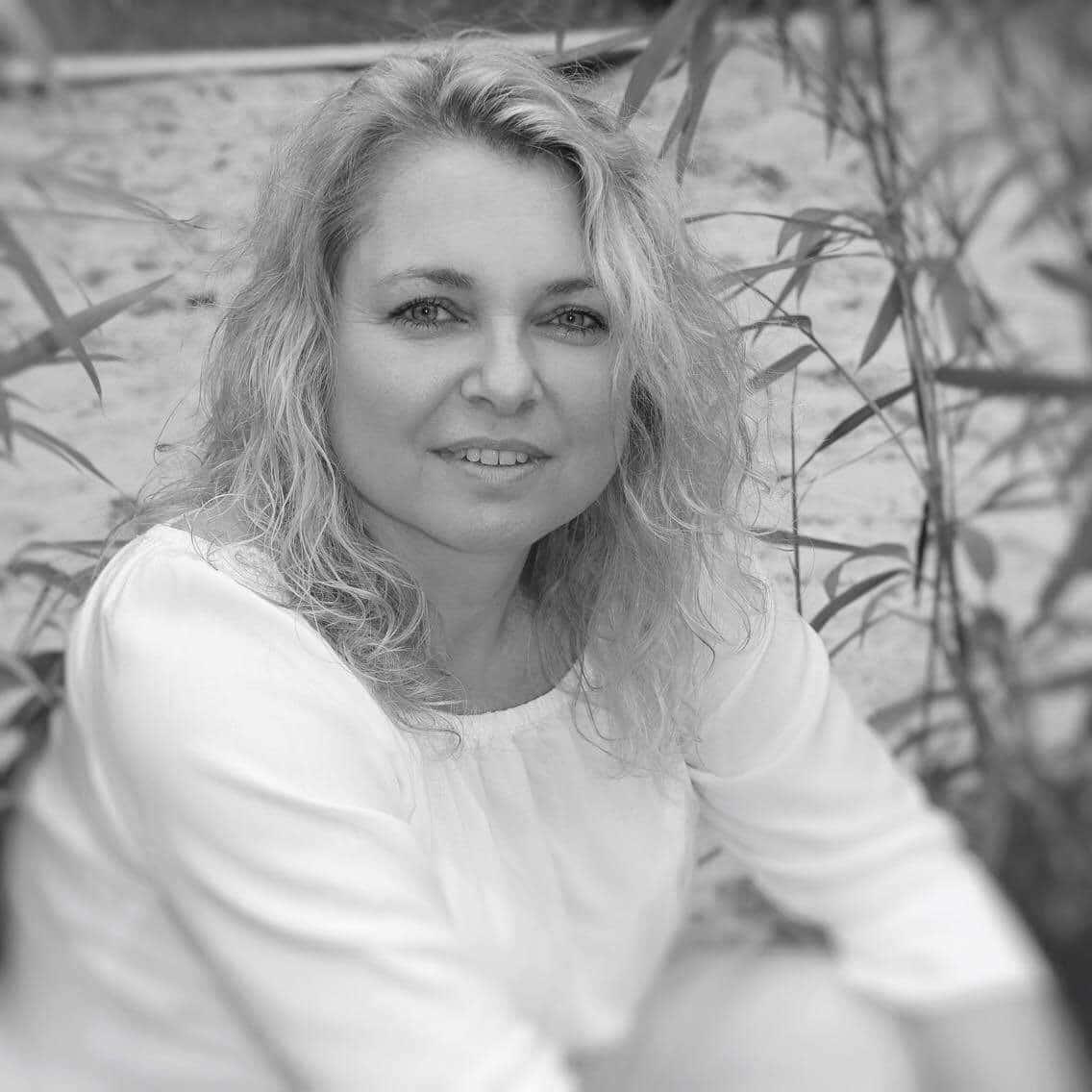 Nicole Mathew   Leiterin